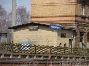 Niederwalgern, wichtiger Bahnhof an der Main-Weser-Bahn zwischen Gießen und Marburg, Knotenpunkt mit der Einfädelung der ehem. Aar-Salzböde-Bahn.