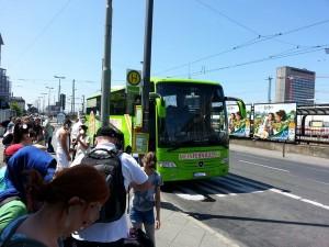 Frankfurt Hbf. Südseite Mannheimer Str. - hier halten in der Mainmetropole die Fernbusse.