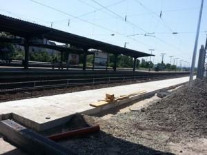 Bauarbeiten im Bahnhof Frankfurt-Höchst haben bereits begonnen. Hier der Bahnsteig der Gleise 7 und 8.