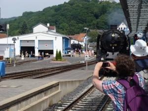 Königstein einfahrender Dampfzug