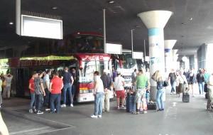 So soll es in absehbarer Zeit schon in Frankfurt aussehen, hier stehen die Fernbusse in einer neugebauten Anlage in München.