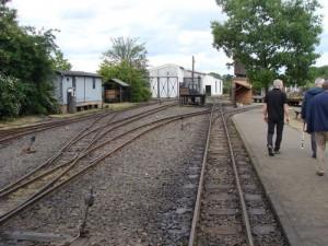 Die Gleise des Feldbahnmuseums in Frankfurt. Ziel der Exkursion vor der Landesversammlung von PRO BAHN Hessen.