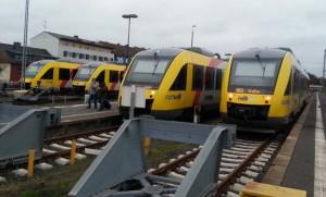 Bahnhof Fulda - Gleise 35 bis 38 - LINT-Nahverkehrstriebwagen der Hessischen Landesbahn (HLB) für die Vogelsbergbahn.