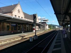 Werden im Bahnhof Bad Hersfeld auch künftig Fernzüge wie ICE auf dem Weg von Hessen nach Thüringen halten?