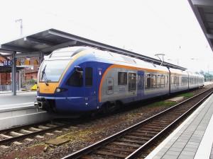 Ein Regionalzug der Cantus-Bahn im Bahnhof Bebra, welche den Schienenpersonennahverkehr (SPNV) im östlichen Netz von Nordhesssen durchführt.