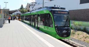 Der Zug aus Karlsruhe zu Besuch in Bad Soden am Taunus, der Endstation der S 3 und der RB 11.