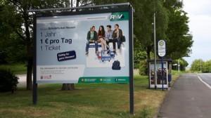 Werbetafel für das Schülerticket in der Naunheimer Str. in Niedergirmes, einem Stadtbezirk in Wetzlar.