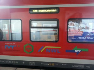 RE 11 - Logos der Verkehrsverbünde.