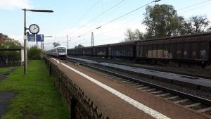 Bahnhof Niederwalgern: Früherer Keilbahnhof der Main-Weser-Bahn mit der Aar-Salzböde-Bahn. Hier soll sich 2019 an der Strecke Kassel-Gießen-Frankfurt etwas tun und dann sollen gleich ein Hausbahnsteig und ein Mittelbahnsteig für Gleis 2+3 mit jeweils 76 cm Höhe entstehen. Aber ist das sinnvoll, wenn an anderer Stelle 55 cm entstehen?
