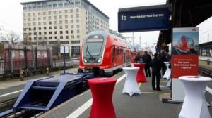 Der Main-Neckar-Ried-Express am 04.11.2017 im Frakfurter Hauptbahnhof auf Gleis 1 a bei der Präsentation.